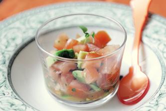 Tartare de tomates et d'avocat à l'huile d'olive citronnée