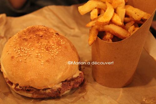 manger un burger à paris