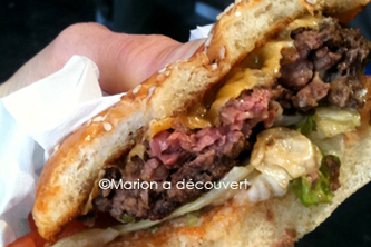 Restaurant Paris : Le camion qui fume… Burger fight part 2 !
