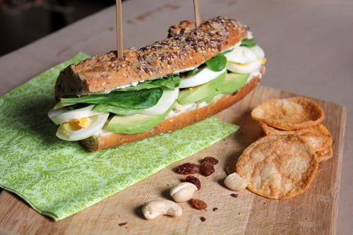 Sandwich détox avocat chèvre pour le lancement de l'AV mag !