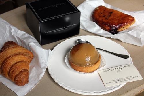 Boulangerie/Pâtisserie Parisienne : Des gâteaux et du pain