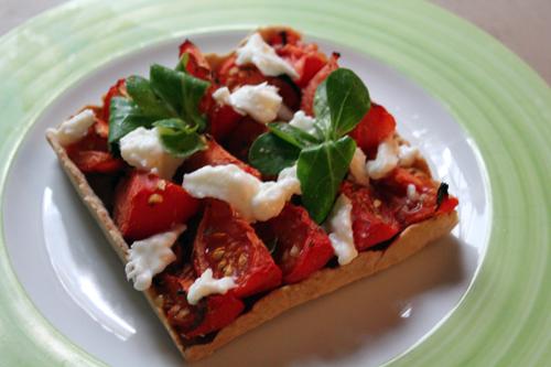La classique tarte fine tomate/moutarde mais encore meilleure !