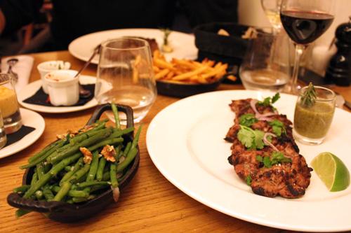 Restaurant Paris : Le Charbon Rouge, voyage au pays de la viande !