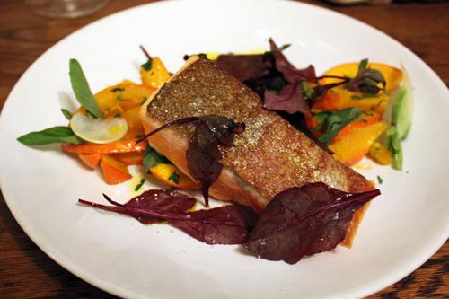 Restaurant Paris : La cave de l'insolite