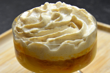 Compotée de pommes, caramel au beurre salé et mousse de spéculoos
