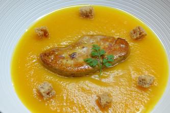Velouté de butternut et foie gras poêlé