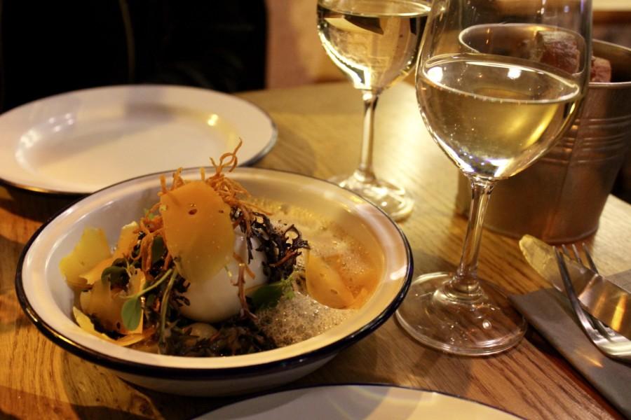 Restaurant Paris : L'Acolyte de l'Insolite, petit mais costaud.