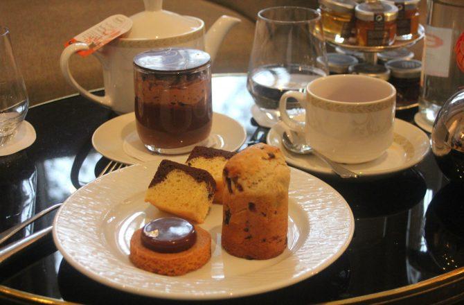 Un goûter de princesse au Trianon Palace…