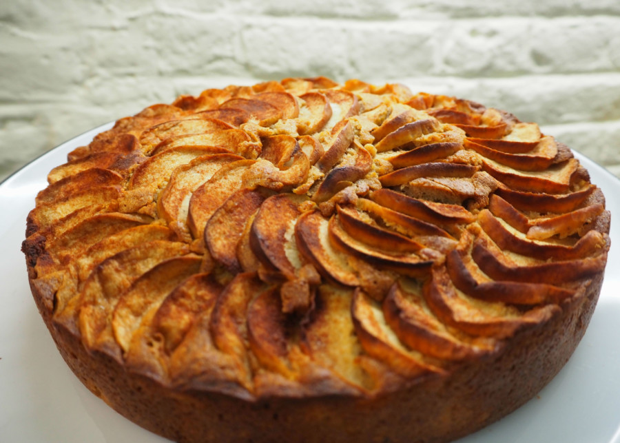 Moelleux aux pommes, amandes, huile de coco et flocons d'épeautre