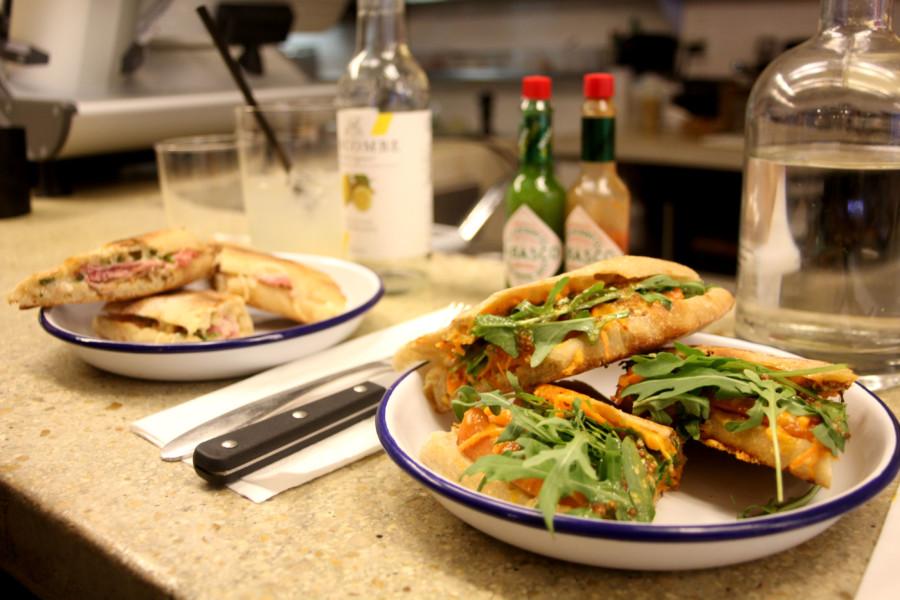 Restaurant Paris : Pressing, la Ferrari du panini.
