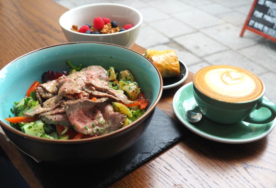 Coffeeshop Paris : 5 PAILLES, une fine équipe qui a tout compris.