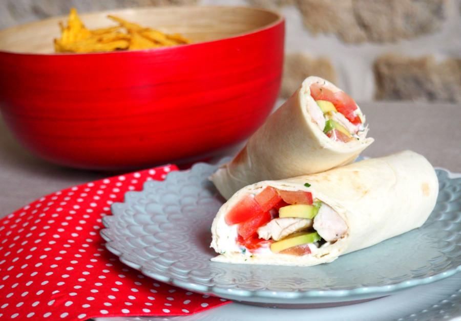 Wrap estival au poulet, avocat, tomate et creamcheese !