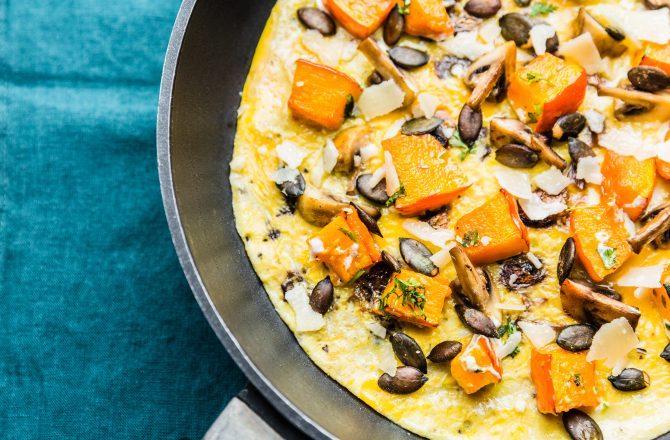 Frittata au potimarron rôti, champignons, parmesan et graines de courge