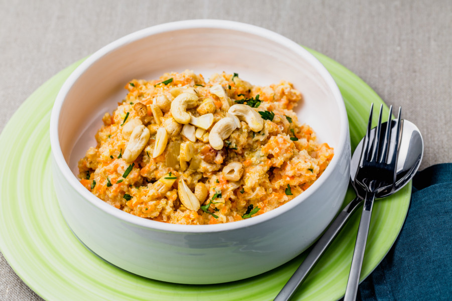 Quinotto de carotte, parmesan, noix de cajou et persil plat