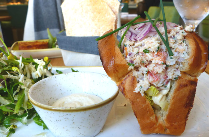 Le roi des crabes vous invite à sa table.
