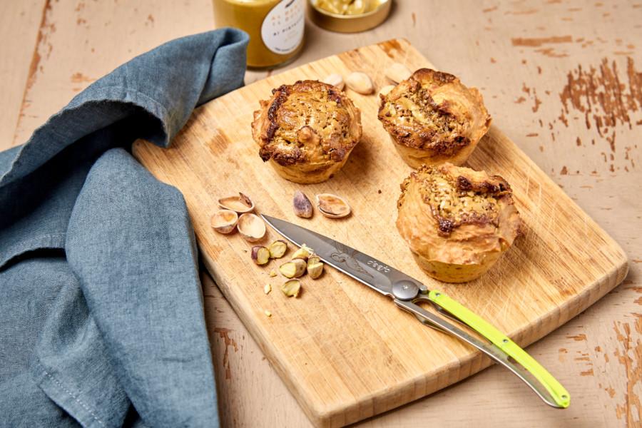 Muffins sans beurre au sucre complet muscovado et à la crème de pistache