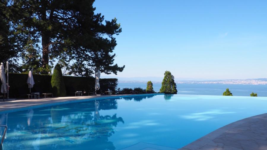 L'Hôtel Royal, un grand bain de luxe à Evian.